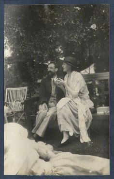 Lytton Strachey; Virginia Woolf (née Stephen), by Lady Ottoline Morrell, June 1923 - NPG - © National Portrait Gallery, London
