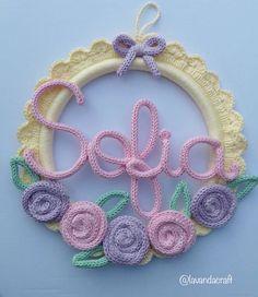 Jute Crafts, Craft Stick Crafts, Crochet Crafts, Crochet Projects, Crochet Wall Art, Crochet Letters, Crochet Garland, Dream Catcher Craft, Spool Knitting