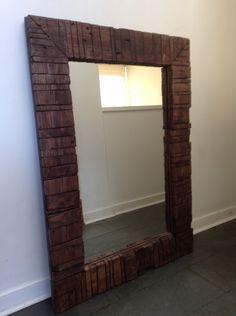 Marco para espejo hecho con maderas de Pallet