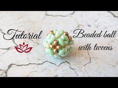 Beaded ball with twin (superduo) and seed beads - slippedclo. Seed Bead Bracelets Tutorials, Jewelry Making Tutorials, Beading Tutorials, Beaded Bracelets, Peyote Bracelet, Seed Bead Necklace, Seed Beads, Bead Earrings, Seed Bead Flowers