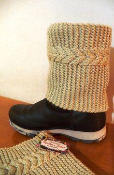 Boots Cuffs - Cobre bota mini polaina com fio de lã de ótima qualidade com motivo de corda dupla em tricot. Incremente seu visual e se aqueça.