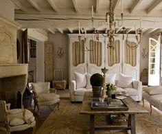 French farmhouse interior design ideas french country style african home de French Farmhouse Decor, Farmhouse Interior, French Decor, French Country Decorating, Country Interior, Cottage Farmhouse, Farmhouse Table, French Living Rooms, French Country Living Room