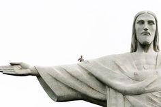selfie du haut du christ de rio 21 Un selfie du haut du Christ de Rio [video] statue selfie rio de janeiro Lee Thompson christ brésil
