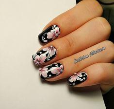 В продолжение к предыдущему посту.. не смогла удержаться и дорисовала немного))) #nails #nailart #manicure #naildesign #gelpolish #nailswag… Shellac Nails, Toe Nails, Nail Polish Designs, Nail Art Designs, Silver Nails, Manicure E Pedicure, Flower Nails, Beautiful Nail Art, Creative Nails