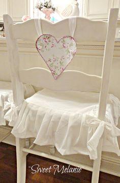 Shabby Chic Home Decor White Cottage, Rose Cottage, Shabby Chic Cottage, Shabby Chic Homes, Shabby Chic Style, Shabby Chic Decor, Cottage Style, Romantic Cottage, Cottage Farmhouse