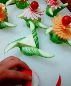 Vegetable Decoration, Vegetable Crafts, Fruit And Vegetable Carving, Food Decoration, Tasty Videos, Food Videos, Food Crafts, Diy Food, Food Design