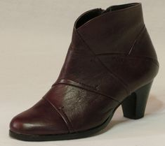 Alföldi Cipőbolt - alföldi cipők - alföldi papucsok - csizmák - saruk - bakancsok - néptánc cipők Booty, Ankle, Shoes, Fashion, Moda, Swag, Zapatos, Wall Plug, Shoes Outlet