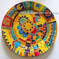 Decorative Plates, Tableware, Home Decor, Colors, Dishes, Mandalas, Fonts, Dinnerware, Decoration Home