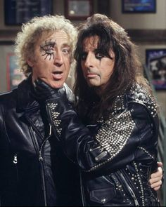 Gene Wilder & Alice Cooper...there are no words to describe the awesomeness happening in this picture!