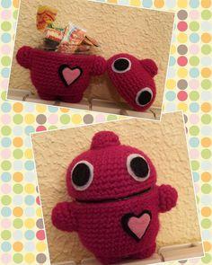 Buenazos dias de domingo!! Vamos a endulzarnos un poco!  #amigurumidoll #amigurumis #amigurumi #crochetaddict #crochet #crocheting #lana #ganchilloterapia #ganchillo #handmade #handmadewithlove #hechoamanoconamor #hechoamano #diy #regalosoriginales #regalo #robot #corazon #rosa #caramelo by la.tula.creaciones