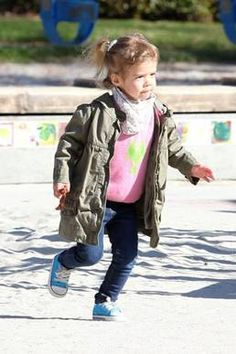 Honor (Jessica Alba's daughter) wearing Bambeeno Cashmere lobster shirt