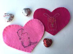 Hugs are Fun! My Funny Valentine, Valentine Day Special, Valentine Day Crafts, Cross Stitch Embroidery, Embroidery Patterns, Valentine's Day Crafts For Kids, Felt Crafts, Hand Stitching, Free Pattern