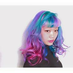 It's summer! What better excuse to try out some fun, vibrant colors than going on a beach vacation? Try out these five temporary hair colors we'v...