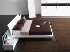 Aron Contemporary White Lacquer Queen Bed w/ Nightstand