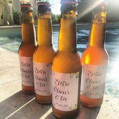 Il y a quelques mois je créais le design de ces jolies étiquettes de bière personnalisées pour le mariage d'Eloïse & Olivier. Une super idée de cadeaux pour les invités ! J'ai été ravie d'y apporter ma petite touche 😊 Merci Eloise pour la jolie photo ! ... #calligraphie #calligraphy #weddingcalligraphy #beer #bierepersonnalisée #custombeer #wedding #mariage #moderncalligraphy #littleshop #smallbusiness #lovemyjob