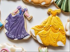 Cookies of Rapunzel & Belle's Dresses made by Sylvie Bear Cookie Disney Princess Cookies, Disney Cookies, Disney Princess Birthday, Princess Cakes, Gorgeous Cakes, Pretty Cakes, Amazing Cakes, Disney Wedding Dresses, Disney Princess Dresses