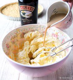 Baileys-bebepiirakka | Reseptit | Kinuskikissa Irish Cream, Baileys, Macaroni And Cheese, Oatmeal, Breakfast, Ethnic Recipes, Food, The Oatmeal, Morning Coffee