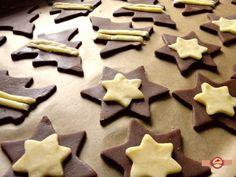 biscuiti de Craciun1 Utila, Weight Watchers Desserts, Food Cakes, Cake Recipes, Biscuits, Martie, Cookies, Christmas, Cakes