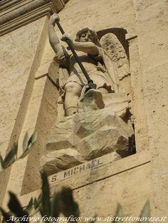 Particolare facciata #sanpietro #noviligure #distrettodelnovese