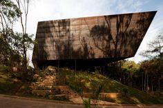 Gallery of Miguel Rio Branco Gallery / Arquitetos Associados - 1
