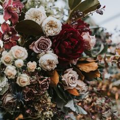 "341 Likes, 3 Comments - Ivory Tribe (@ivorytribe) on Instagram: ""Tone it up. #petalperfection #floralfix #ivorytribe photo @jannekestorm florals @pompandsplendour"""