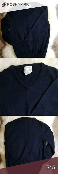"CREW CUTS BOYS NAVY SWEATER VNECK PULLOVER 6/7 GUC...WARDROBE STAPLE!!! This is a solid Navy Blue Pullover V-Neck sweater, 100% cotton, perfect for casual or dressy occasions, school uniforms, chilly spring or summer evenings...Size 6/7   Shoulder to Shoulder:12.5""  Armpit to Armpit:14""  Shoulder to Hem Length:18""  *measurements are APPROXIMATE and are taken laying flat*   ALL ITEMS FROM A SMOKE-FREE HOME   #A-T-18 Crew Cuts Shirts & Tops Sweaters"
