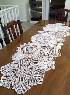 Doilies Crafts, Lace Doilies, Crochet Doilies, Home Crafts, Diy And Crafts, Arts And Crafts, Crochet Projects, Sewing Projects, Diy Projects