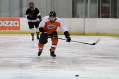 Laura Barclay Photography | Calgary Sports Photographer - Beer League Hockey Team