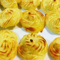 Duchess Potatoes Duchess Potatoes, Baking Recipes, Vegetarian Recipes, Meals, Vegetables, Cooking, Kitchen, Desserts, Food
