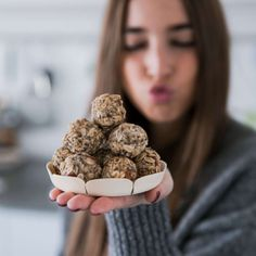 The most amazing Rawballs! They are so easy to prepare and taste heavenly. All vegan, glutenfree and histaminefree