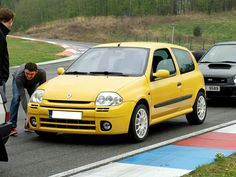Clio Sport, F1, City, Vehicles, Sports, Clothes, Autos, Cars, Hs Sports