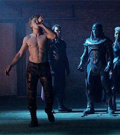 Ben Hardy behinds the scenes of X-Men: Apocalypse Ben Hardy, Freddie Mercury, Benjamin Hardy, Warren Worthington Iii, Ben Jones, Dacre Montgomery, Roger Taylor, Xmen, Man Crush