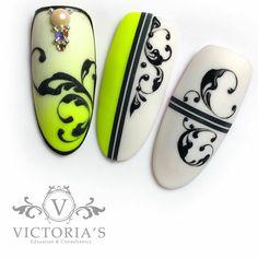 Acrylic Nail Designs, Acrylic Nails, Nail Art Arabesque, Monogram Nails, Swirl Nail Art, Xmas Nails, Beautiful Nail Designs, Press On Nails, Nail Tips