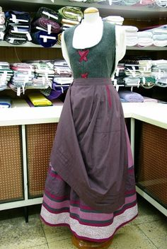 Caseras Folk Clothing, High Waisted Skirt, Skirts, Clothes, Beautiful, Regional, Collections, Embroidery, Fashion