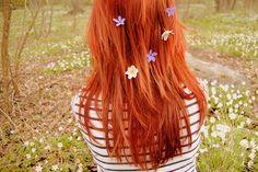 červeno zrzavé vlasy - Hledat Googlem