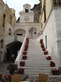 The church of S.Salvatore de'Bireto is in the main square of Atrani (piazza Umberto I). It was restored, and modified several times in the neoclassic style, but the original structure was built in 940.    The main door of the church was made in Costantinopoli in 1087, and ordered by Pantaleone Viaretta, who also donated the main door of the Duomo of Amalfi 20 years earlier.    #amalfi #positano #amalficoast #travel #italy #sea #church #suditaly #hotelpositano #faunopompei #atrani