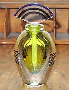 art glass - art deco perfume bottle ~~ For more: - ✯ http://www.pinterest.com/PinFantasy/curioso-~-perfume-frascos-bottles/