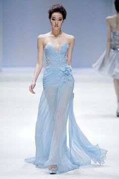 Zhang jingjing haute couture 2013 S/S - China fashion week Evening Dresses, Prom Dresses, Formal Dresses, Wedding Dresses, Mode Glamour, Modelos Fashion, Turquoise, Color Azul, China Fashion