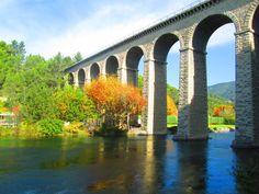 L'aqueduc à Fontaine de Vaucluse ©Marion OTI PSMV