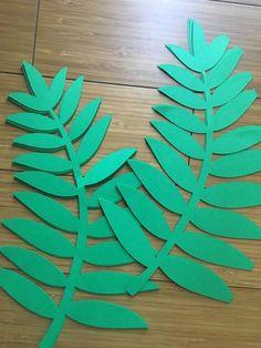 Paper Flower Patterns, Paper Flower Art, Paper Flowers Craft, Paper Flower Tutorial, Flower Crafts, Giant Paper Flowers, Felt Flowers, Diy Paper, Paper Crafts
