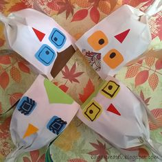 Owls Autumn Crafts, Bagan, Owls, Gift Wrapping, Gifts, Gift Wrapping Paper, Fall Crafts, Presents, Fall Arts And Crafts
