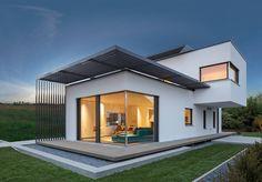 Moderne Architektur in Fertigbauweise - Das ist das Plusenergiehaus von Luxhaus. Schöner und energieeffizient Wohnen auf 110 qm umgesetzt.Ein echtes Traumhaus für ein Paar oder eine kleine Familie mit einem Kind. Der Reiz des Hauses ist der modern interpretierte Bauhausstil. Das Obergeschoss ist quer zum Untergeschoss erstellt. Wie gefällt es Dir?