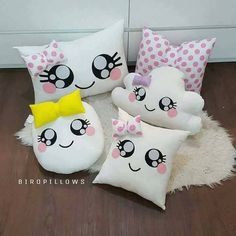 Cojines infantiles - #Ajuarbebeideas #Baberosbebe #Bebesmanualidades #Cojines #Cojinesbebe #Costuradebebé #Fieltromanualidades #infantiles #Movilesparabebes Cute Pillows, Baby Pillows, Kids Pillows, Throw Pillows, Diy Home Crafts, Felt Crafts, Fabric Crafts, Baby Sewing Projects, Sewing For Kids