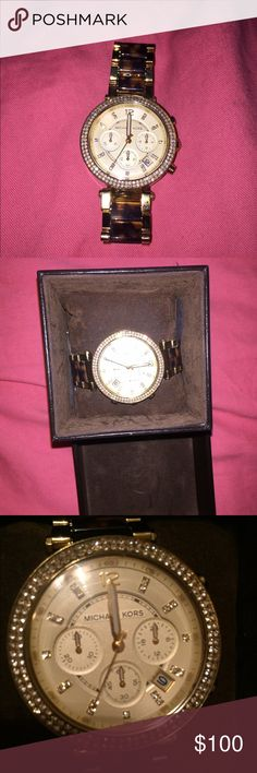 Michael Kors watch Gold and tortoise shell authentic Michael Kors watch. Great condition just needs new battery!! No scratches or rhinestones missing. Comes with original box, pillow, and extra links! Make offers! Michael Kors Accessories Watches