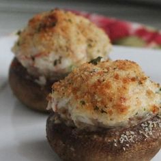 Ingredients medium sized button mushrooms 1 tablespoon butter 1 teaspoon minced garlic 8 ounces crab meat 5 ounces c. Seafood Appetizers, Seafood Dishes, Appetizer Recipes, Crab Stuffed Mushrooms, Stuffed Peppers, Stuffed Mushroom Recipes, Crab Recipes, Burger Recipes, Recipies