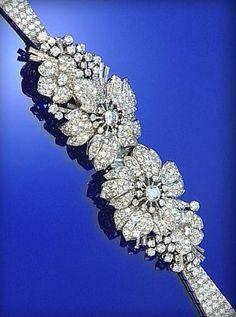 DIAMOND DOUBLE-CLIP/BRACELET, 1950S