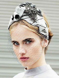 Turbante, bandane.. mille modi per mettere un foulard in testa!