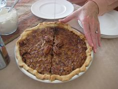 Best Pecan Pie Recipe from @Holiday Helpings ~ Taylor Harkins