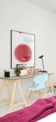 Via NordicDays.nl | Pink Details | Home Office | Arne Jacobsen