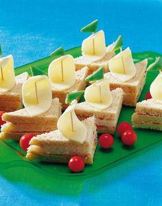 Jollat kahdella täytteellä, Napero | Kodin juhlat | Pirkka Lego Birthday, Birthday Parties, A Food, Food And Drink, Street Food, Finger Foods, Kids Meals, Feta, Frozen